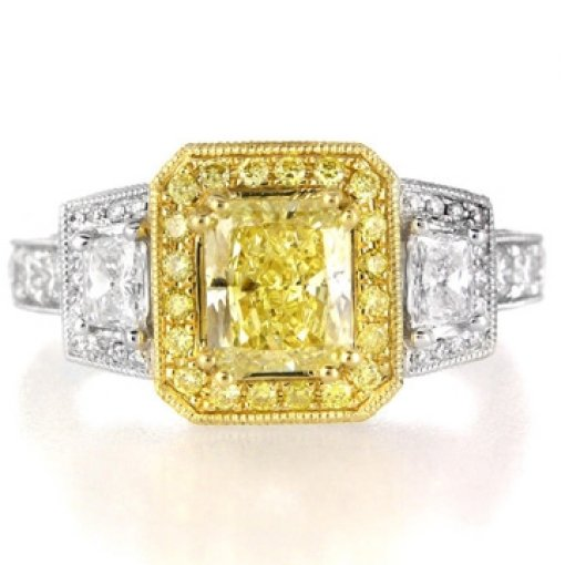 2.82ct GIA Radiant 18K Diamond Halo Diamond Ring Fancy Vivid/VS1