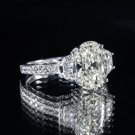 4.29ct GIA Oval 18K Gold 3 Stone Half Moon Pave Engagement Ring I/VS2