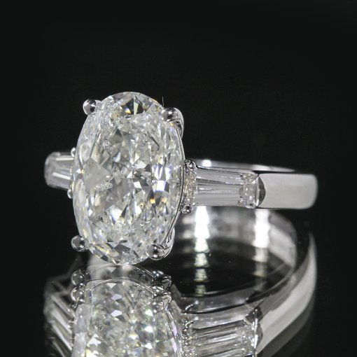2.25ct GIA  18K White Gold Oval Cut Diamond Engagement Ring H/SI2