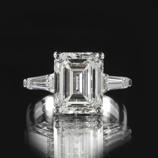 2.5ct GIA  18K White Gold Emerald Cut Diamond Engagement Ring I/VVS2